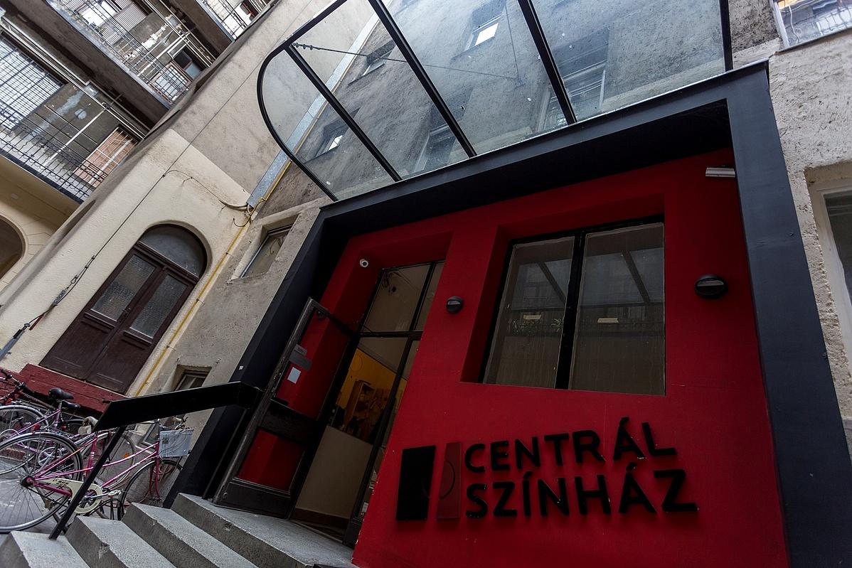 A Centrál Színház művészbejárója