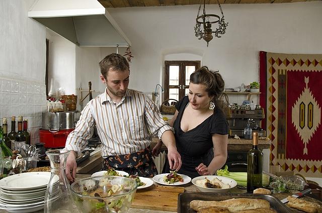Tóth Evelin férjével etyeki otthonukban
