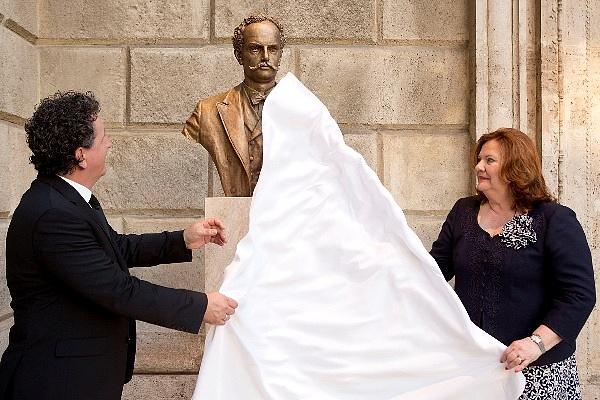 Ókovács Szilveszter és Marton Éva - A Strauss-szobor leleplezése
