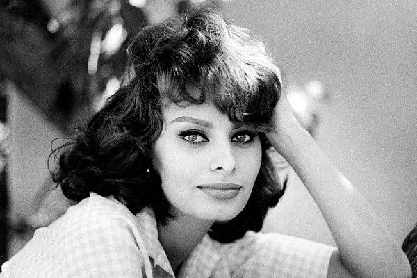 Sophia Loren fiatalon
