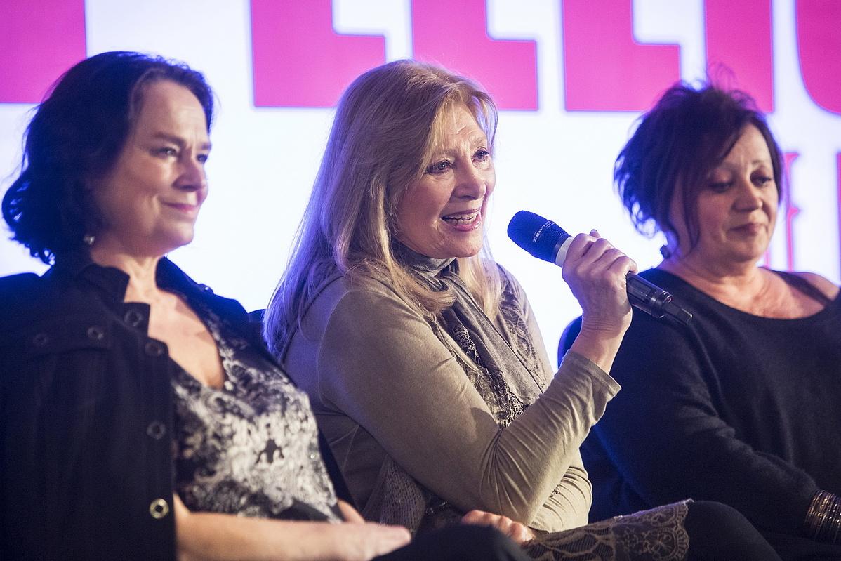 Hűvösvölgyi Ildikó, Bence Ilona és Csákányi Eszter a Billy Elliot februári sajtótájékoztatóján