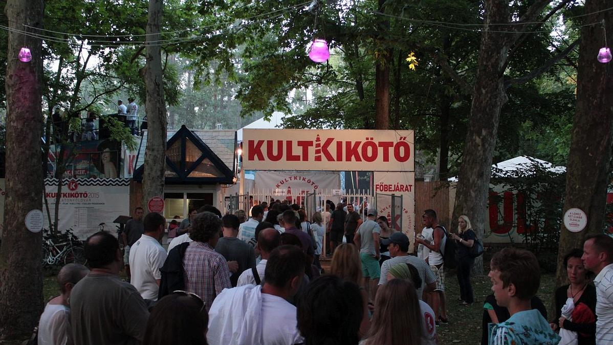 Kultkikötő - Kulturális pezsgés a Balatonnál