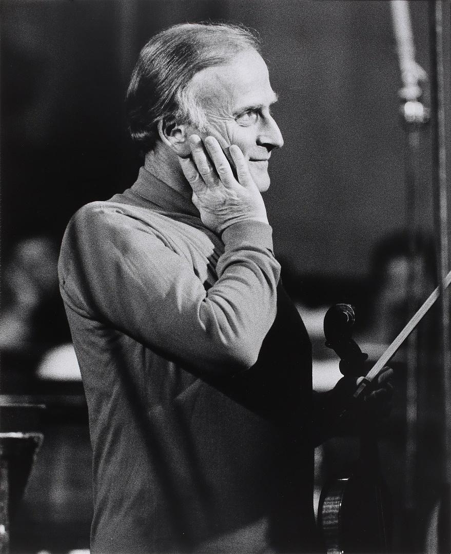 Yehudi Menuhin hegedűművész