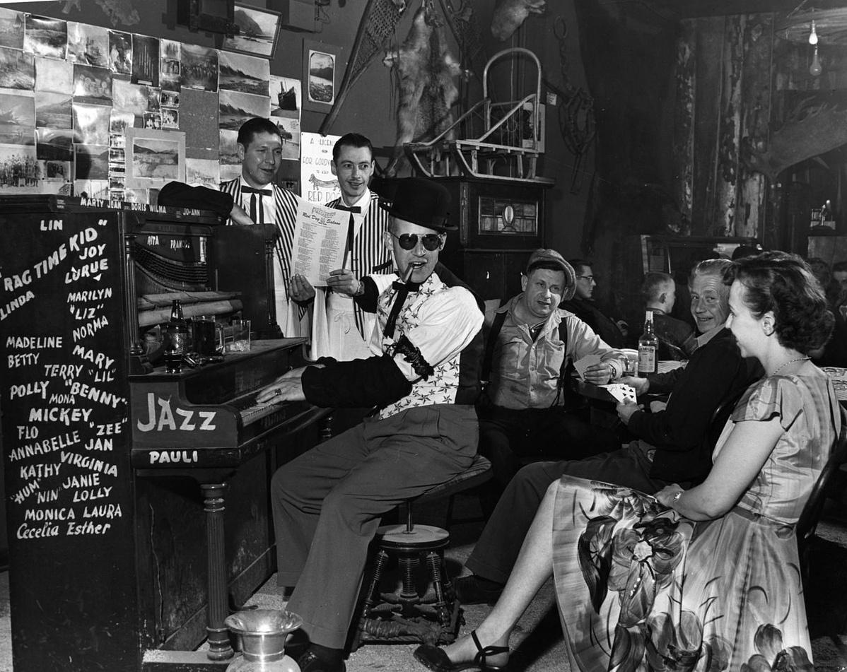 Ragtime zene 1955. körül a Red Dog Saloonban