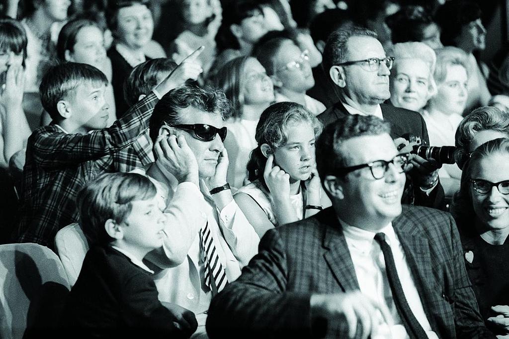 Leonard Bernstein egy Beatles-koncerten 1965-ben
