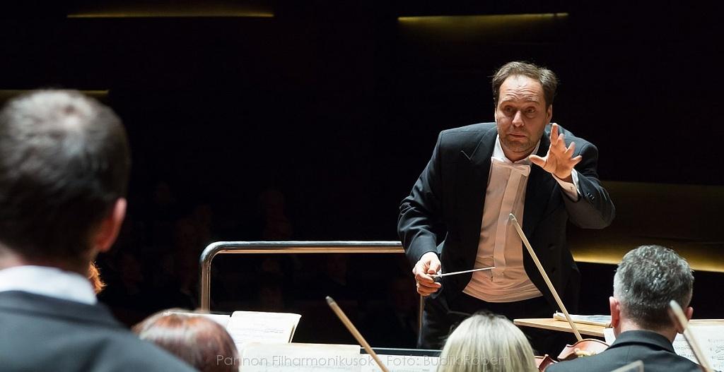 Bogányi Tibor és a Pannon Filharmonikusok