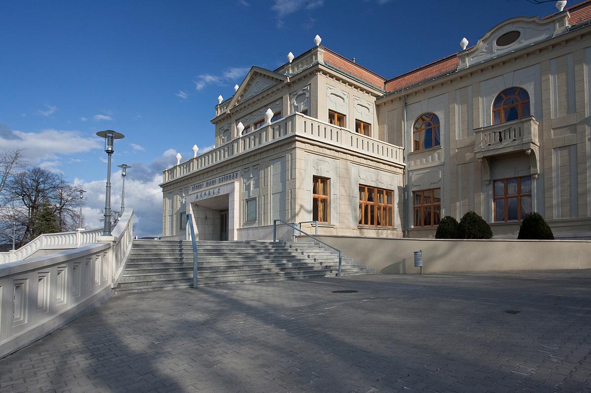Jászai Mari Színház, Tatabánya