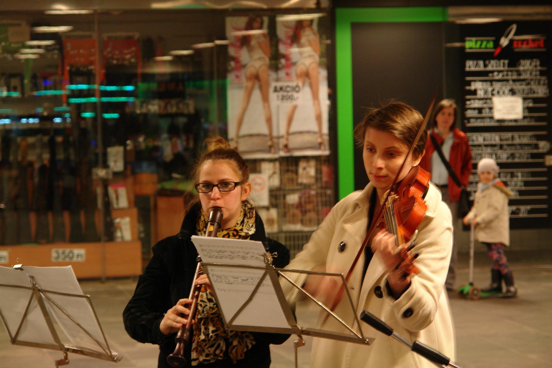 Zenészek az aluljáróban