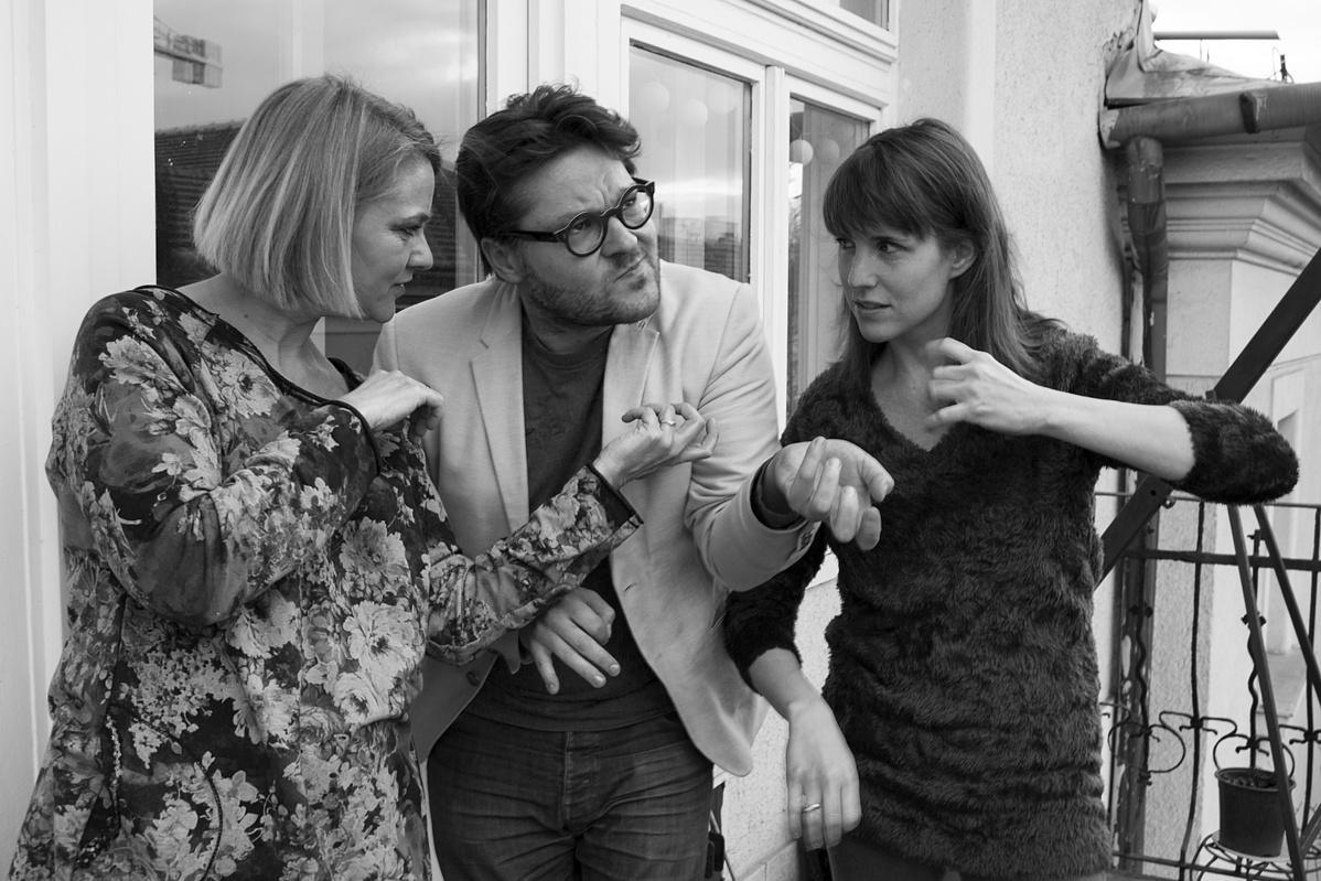 A Trió próbáján a Mozsár Műhelyben. A képen Tallián Marianne, Gazda Bence és Rohmann Ditta