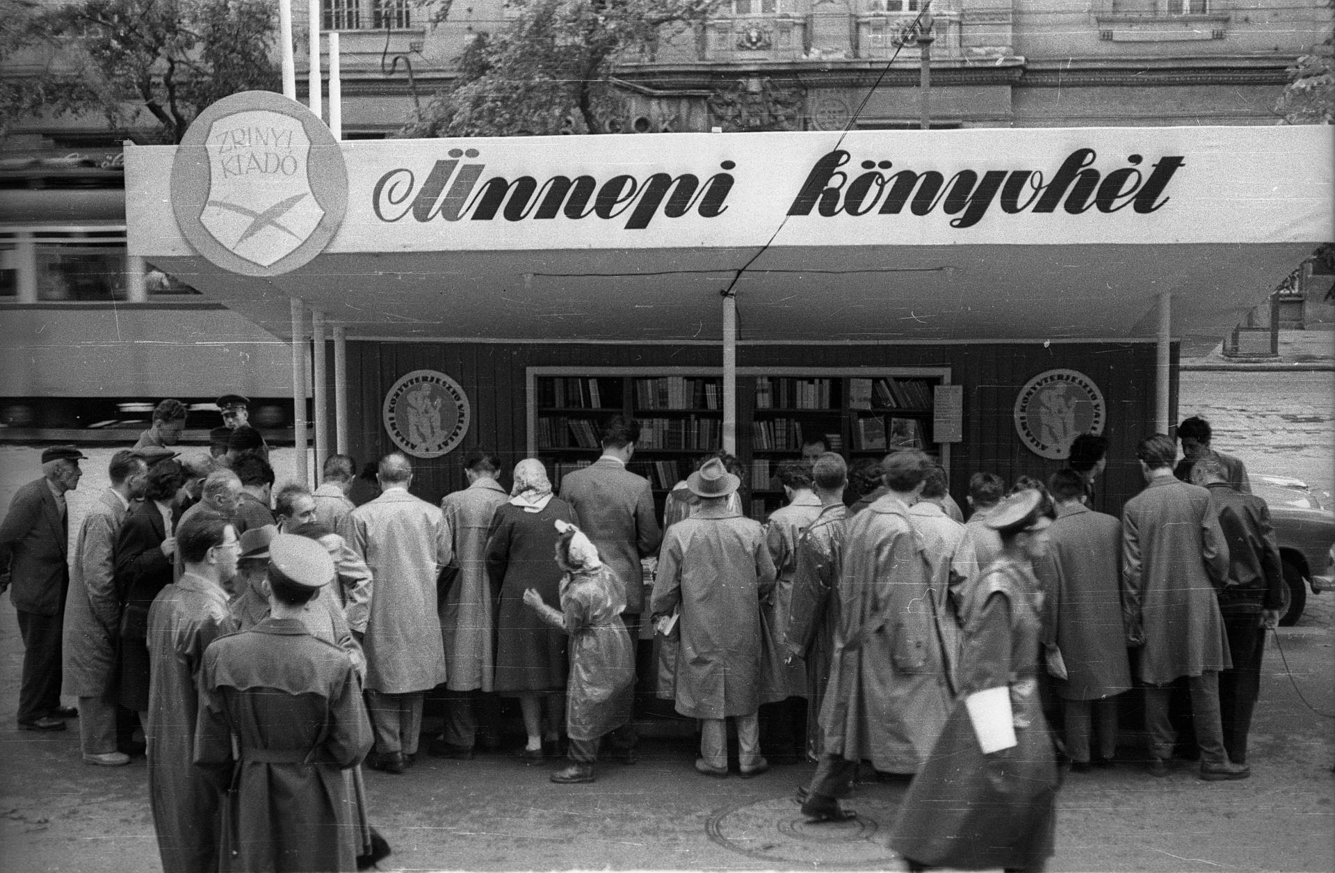 88 éve tolongunk rajta - Ma nyílik az Ünnepi Könyvhét