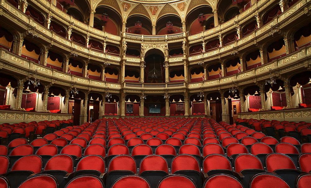 A tervezettnél tovább tart zárva az Operaház