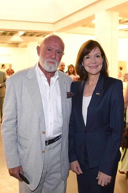 Roberto Polo és Denise Bauer nagykövetasszony egy kiállítás megnyitón