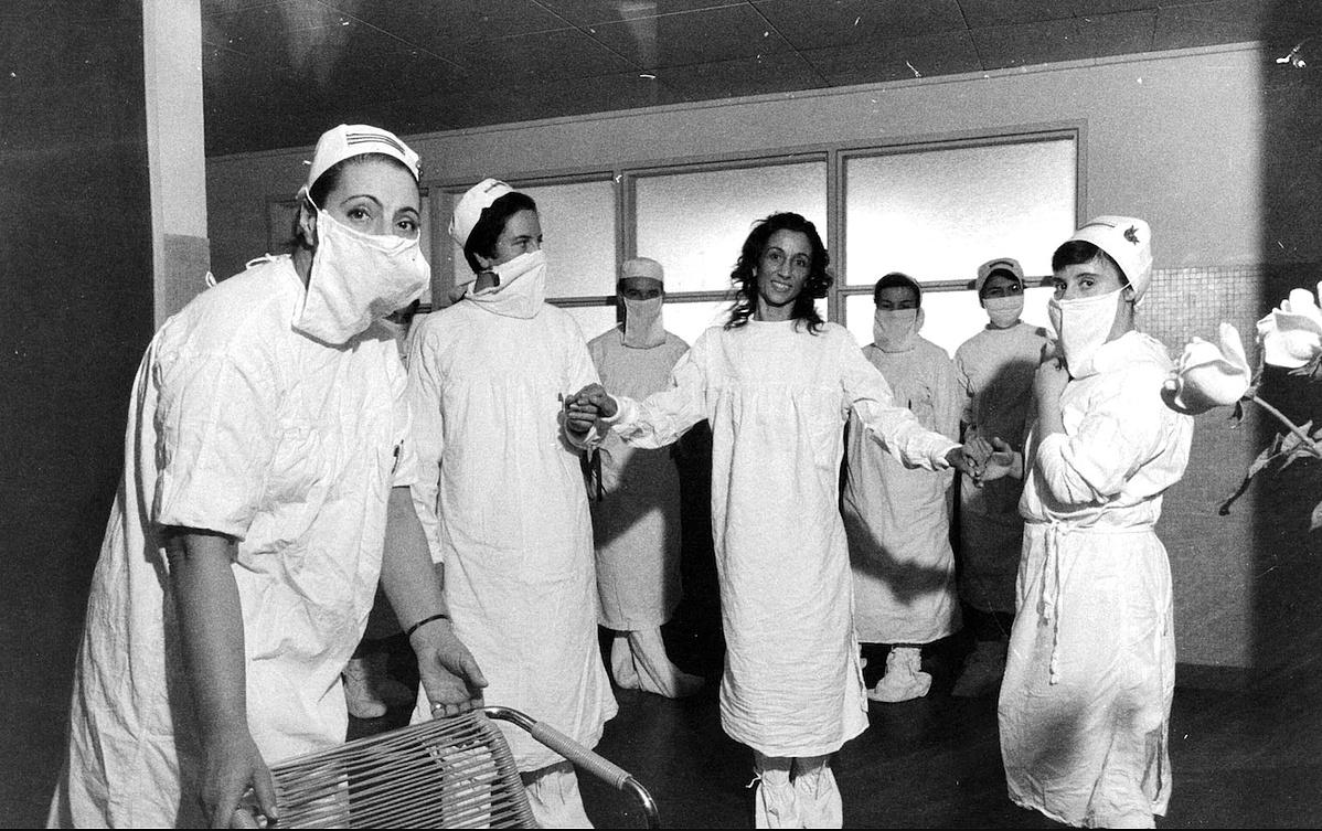 Janine Charrat a kórházban