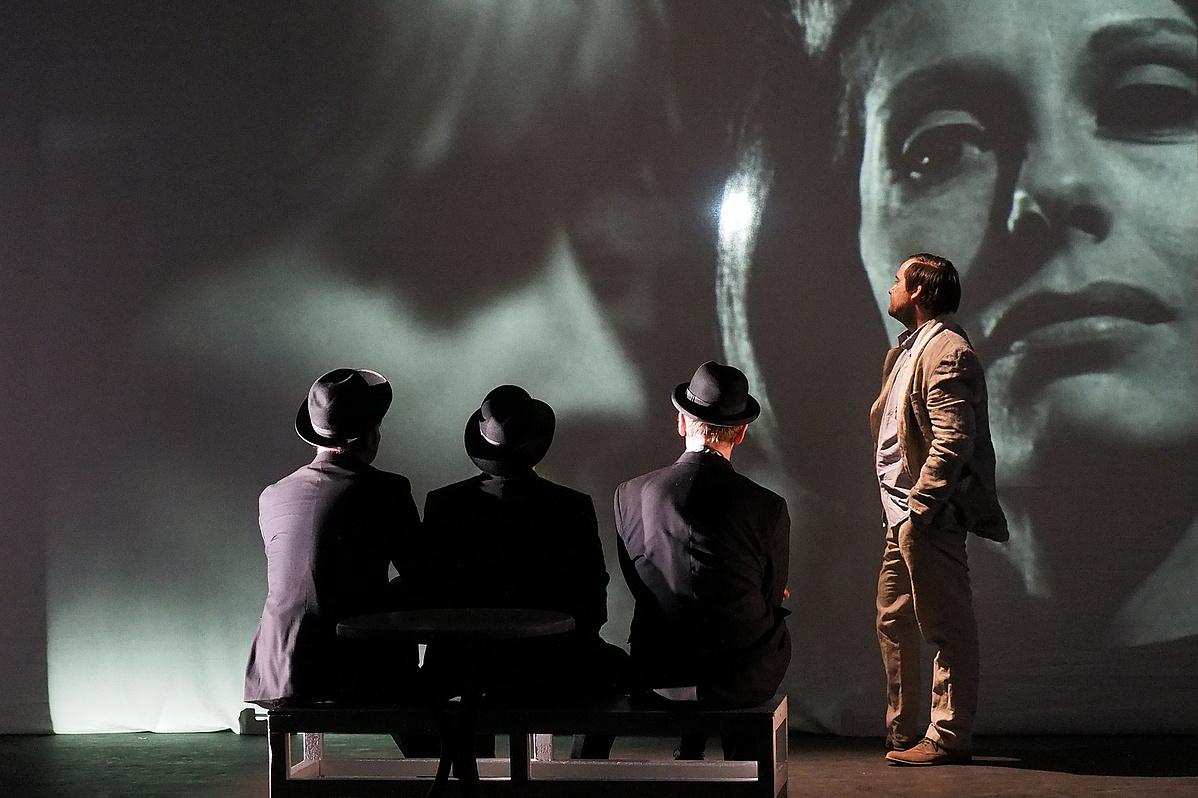 Utas és holdvilág - playback színház 300 percben