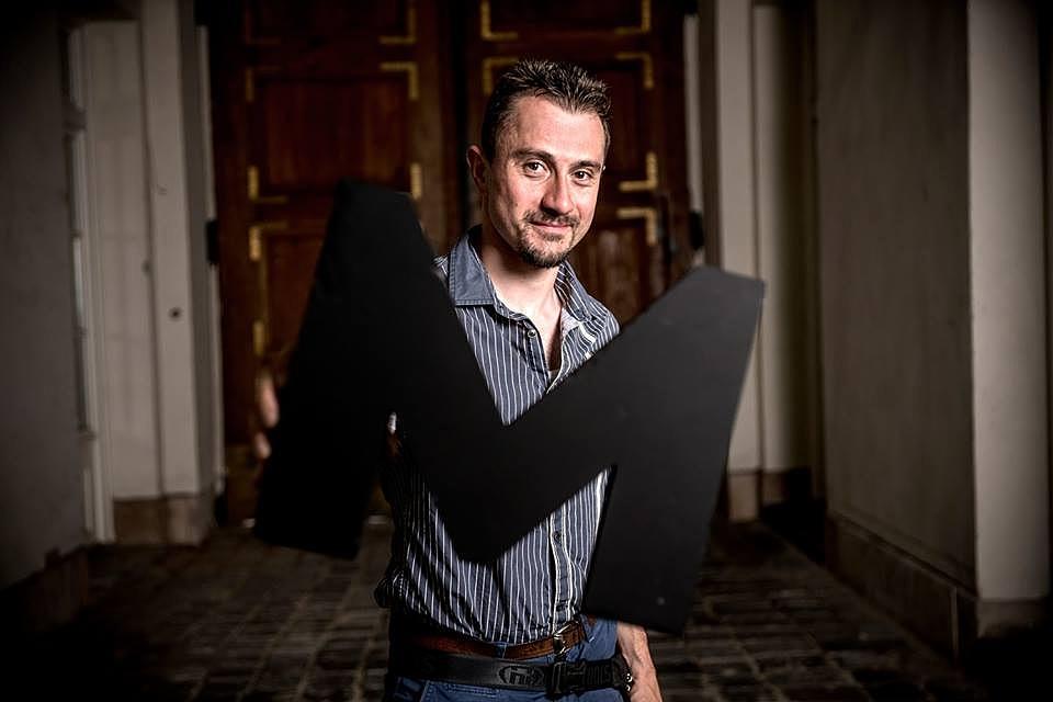Szöllősi Mátyás Váltóáram című regénye is esélyes a díjra.