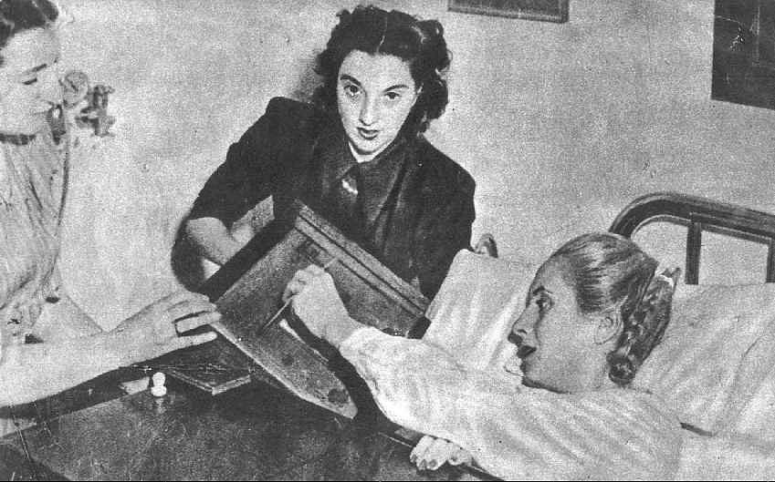 Eva Duarte de Perón (Evita). Szavazás a Hospital de Avellanedában, 1951