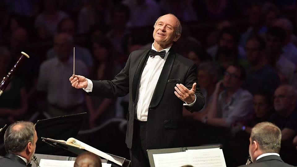 Fischer Iván a Fesztiválzenekar élén