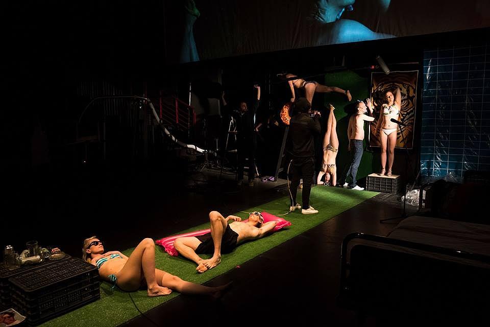 Színházban film, filmben színház – Hajnóczy Péter kultuszregénye a Trafóban