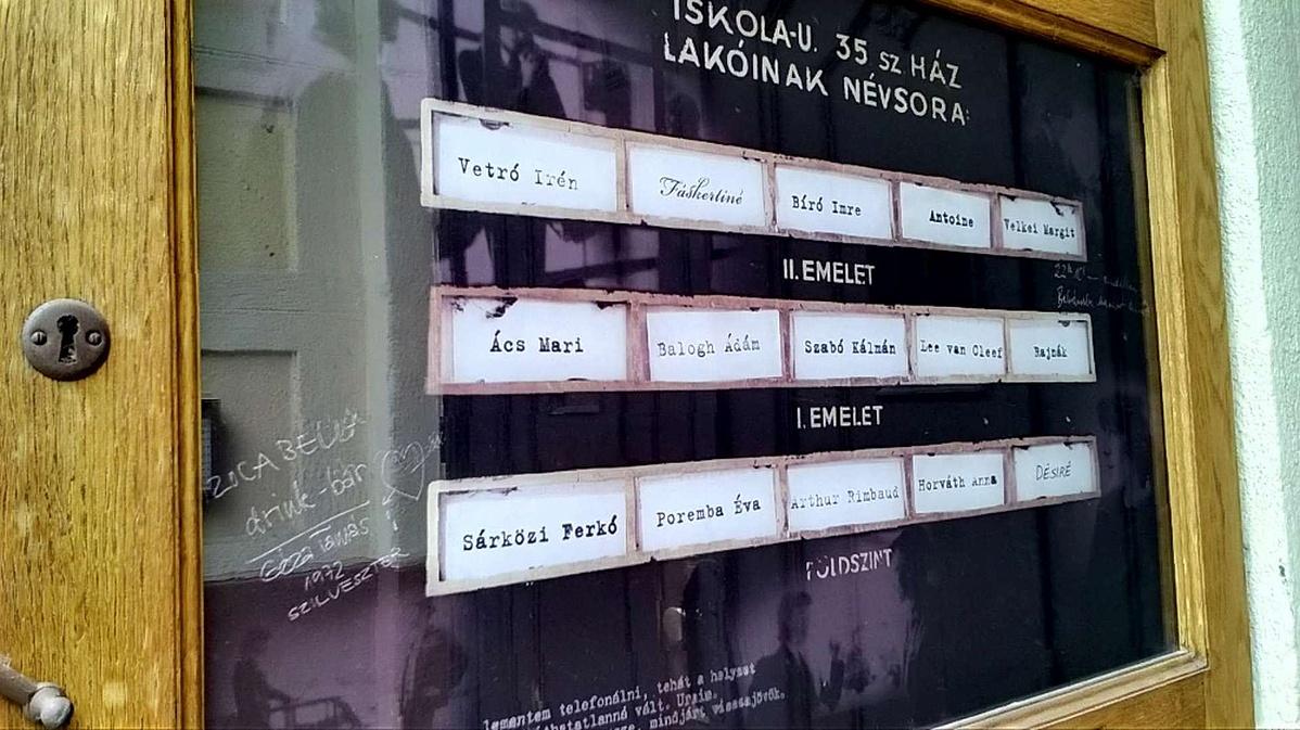 Cseh Tamás emléktáblája (Budapest I. kerület, Iskola utca 35/a)
