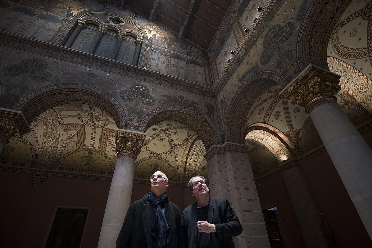 Balog Zoltán miniszter (b) és Baán László a Szépmûvészeti Múzeum - Magyar Nemzeti Galéria fõigazgatója a Szépmûvészeti Múzeum felújított Román csarnokában tartott sajtóbejáráson 2018. február 12-én.