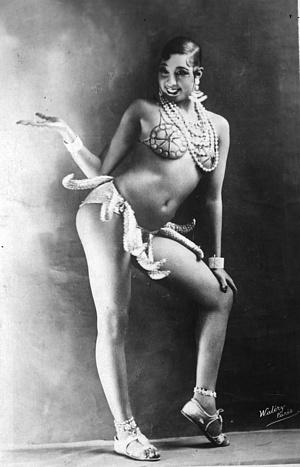 Josephin Baker a banántánc kosztümjében
