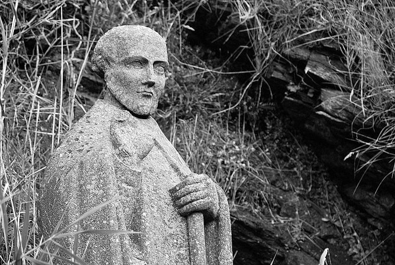 Szent Gildas. A róla szóló krónikából ismerjük Conomor legendáját.