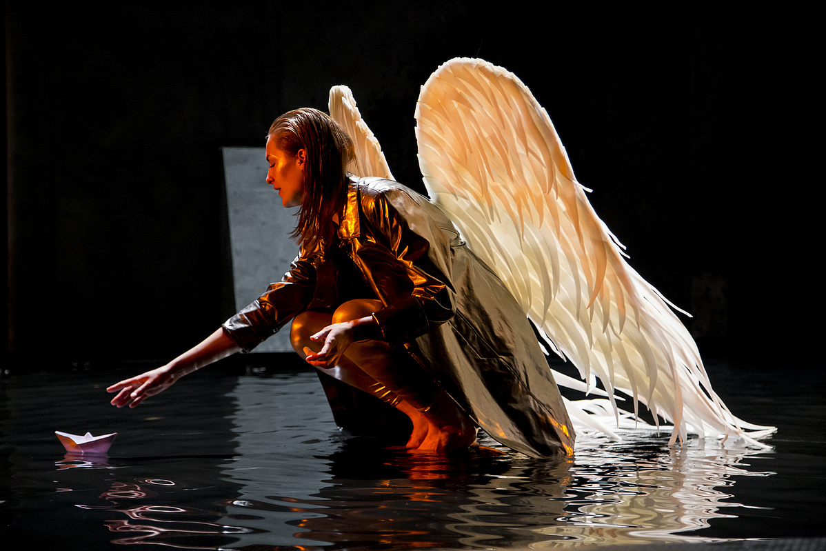 Phaedra, Az előadás április 21-én látható a Nagyszínpadon 19:00 órakor