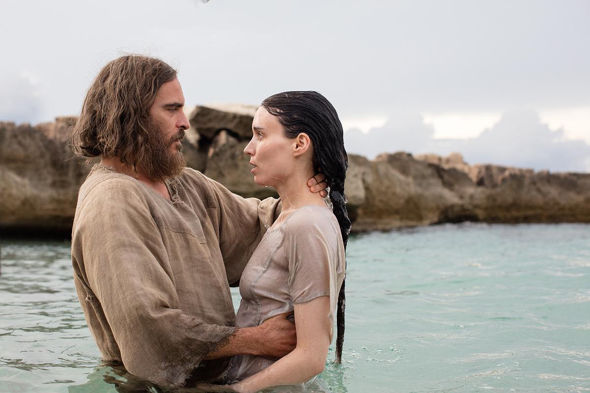 Joaquin Phoenix és Rooney Mara a Mária Magdolna című filmben (forrás: UIP-Duna Film)