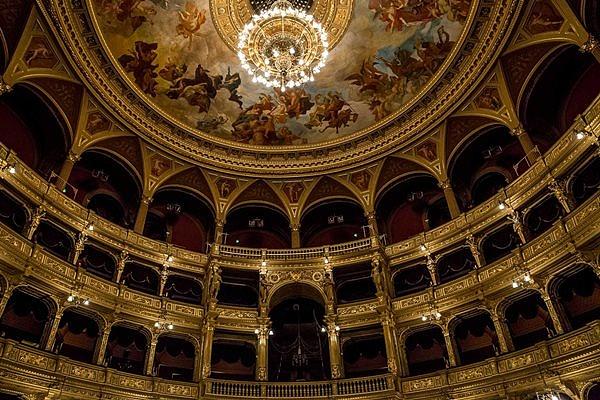 Az Operaház freskójának részlete