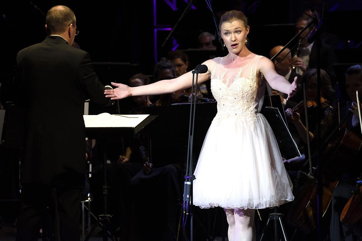 Antonia Dunjko horvát szoprán a X. Nemzetközi Simándy József Énekverseny harmadik kategóriájának holtversenyben elsõ helyezettje