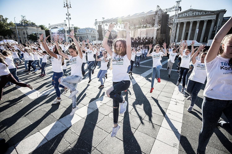 Júniusban újra TérTáncKoncert a Fesztiválzenekarral