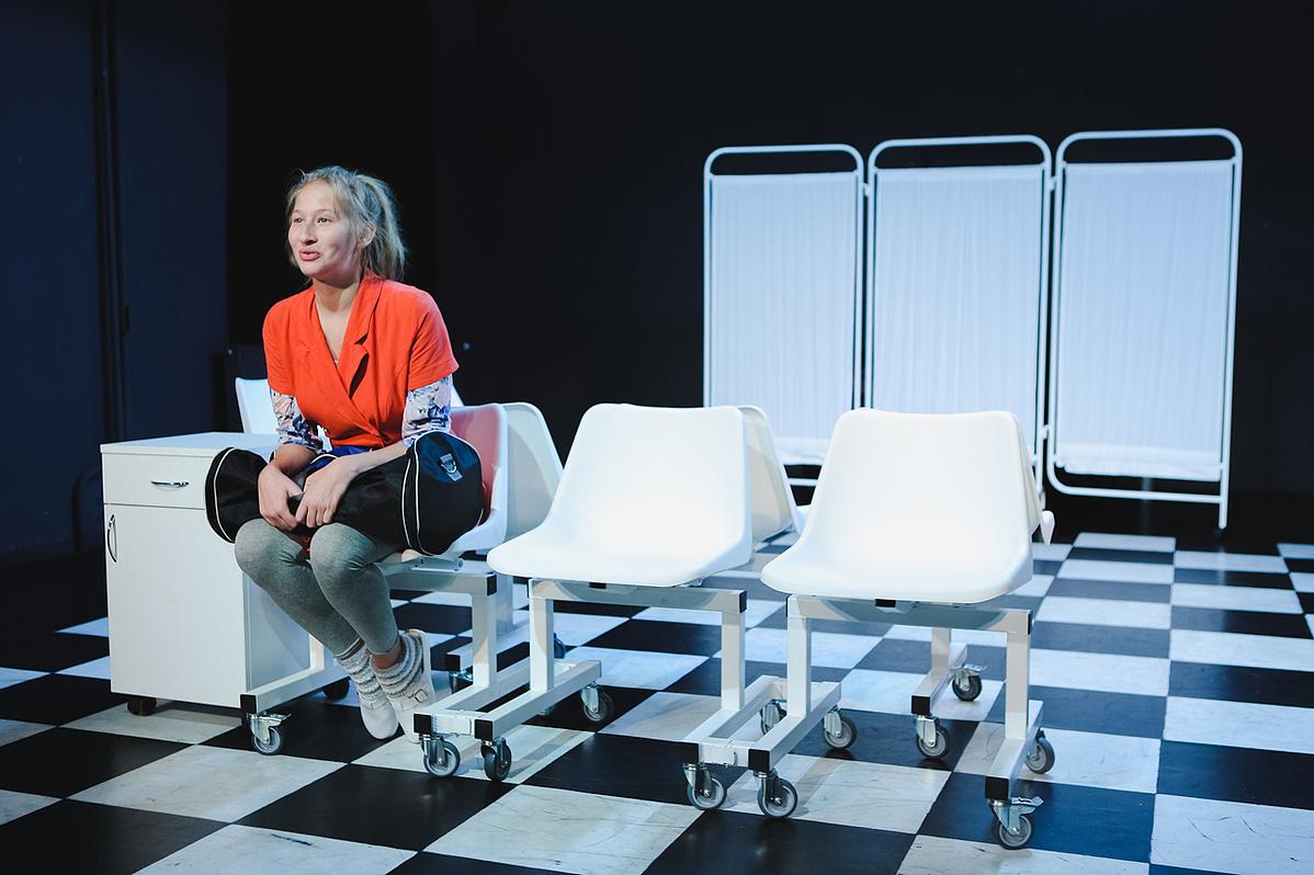 Az Egyasszony színpadi változata Tenki Rékával
