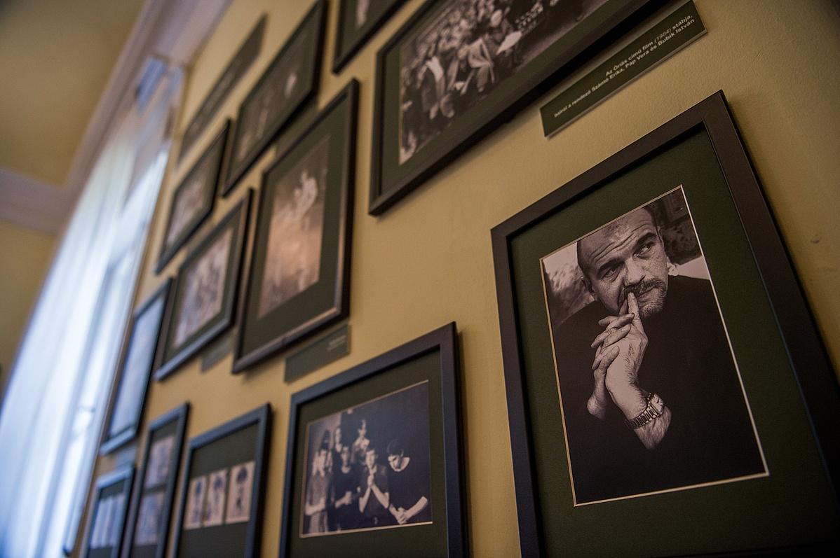 A 60 éve született Bubik István Jászai Mari-díjas színmûvész érdemes mûvész tiszteletére rendezett kamarakiállítás megnyitója a budapesti Bajor Gizi Színészmúzeumban 2018. május 19-én.