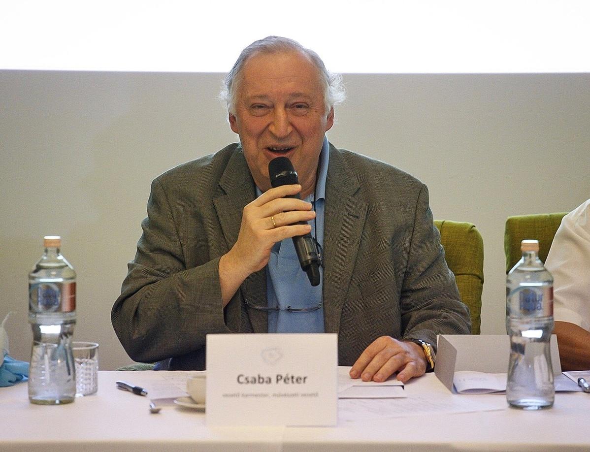 Csaba Péter, a zenekar vezető karmestere