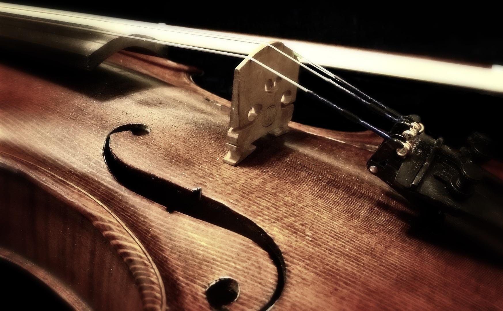 Miért éppen a brácsás a zenészviccek céltáblája?