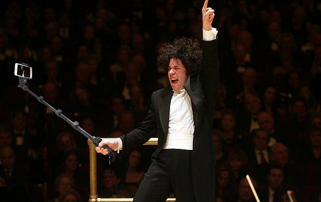 conductor-selfies-4-1463671485-112312.jpg