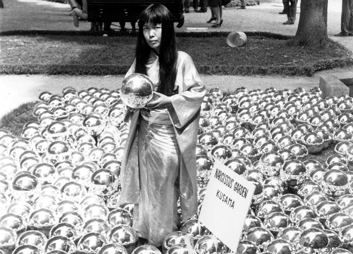 NarcissusGardenbyYayoiKusama_VeniceBiennale_1966_InstallationandPortrait-120050.jpg