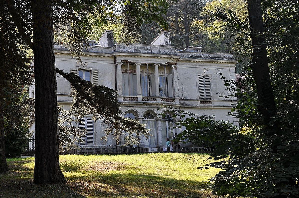 1200px-Pavillon_Viardot-134516.jpg
