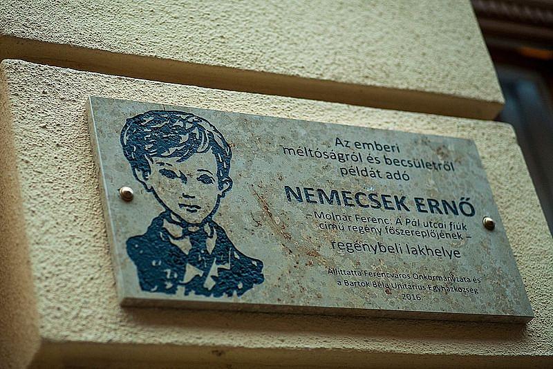 Nemecsek_Erno_emlektabla_kozeli-155842.jpg