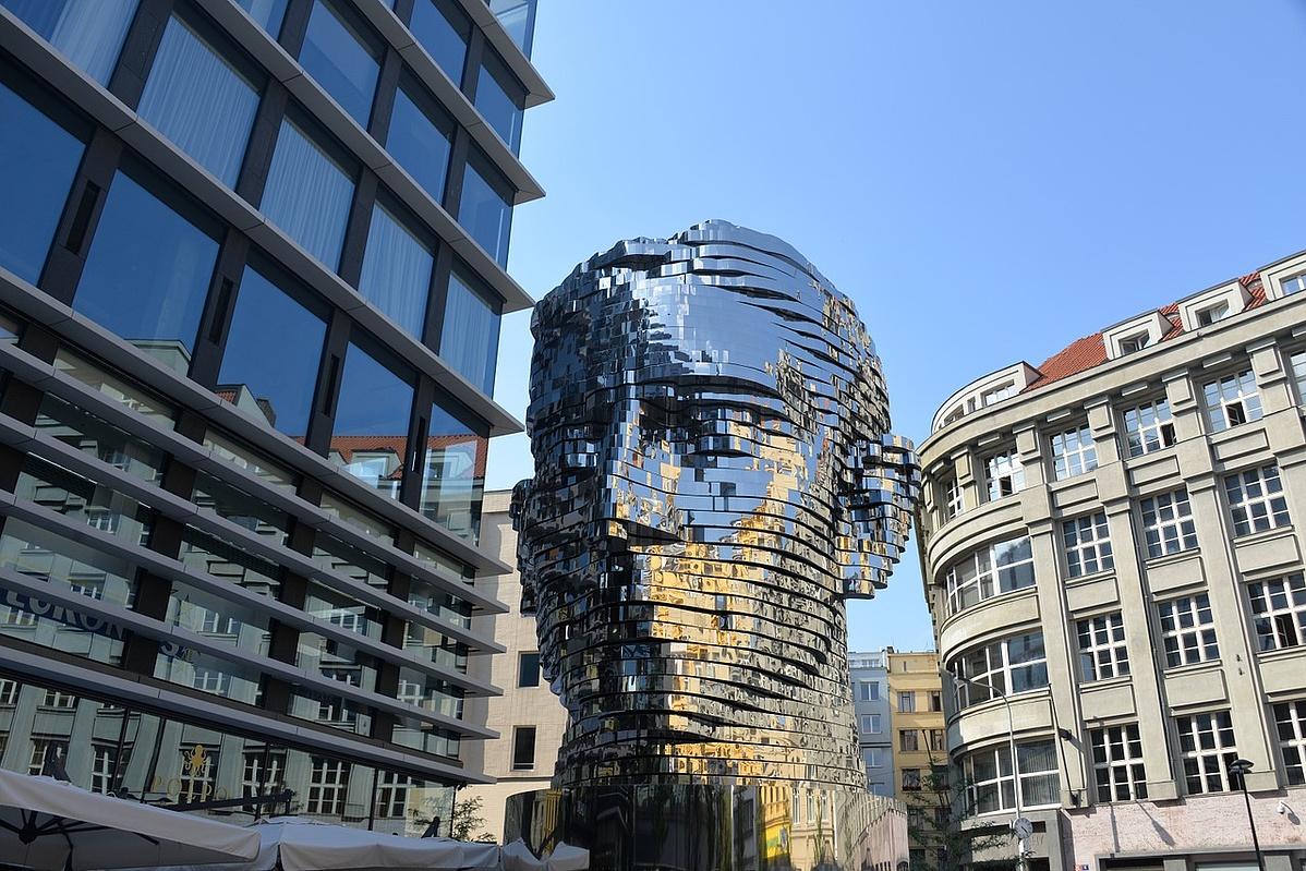 Sculpture-Franz-Kafka-Monument-Prague-1313546-105127.jpg