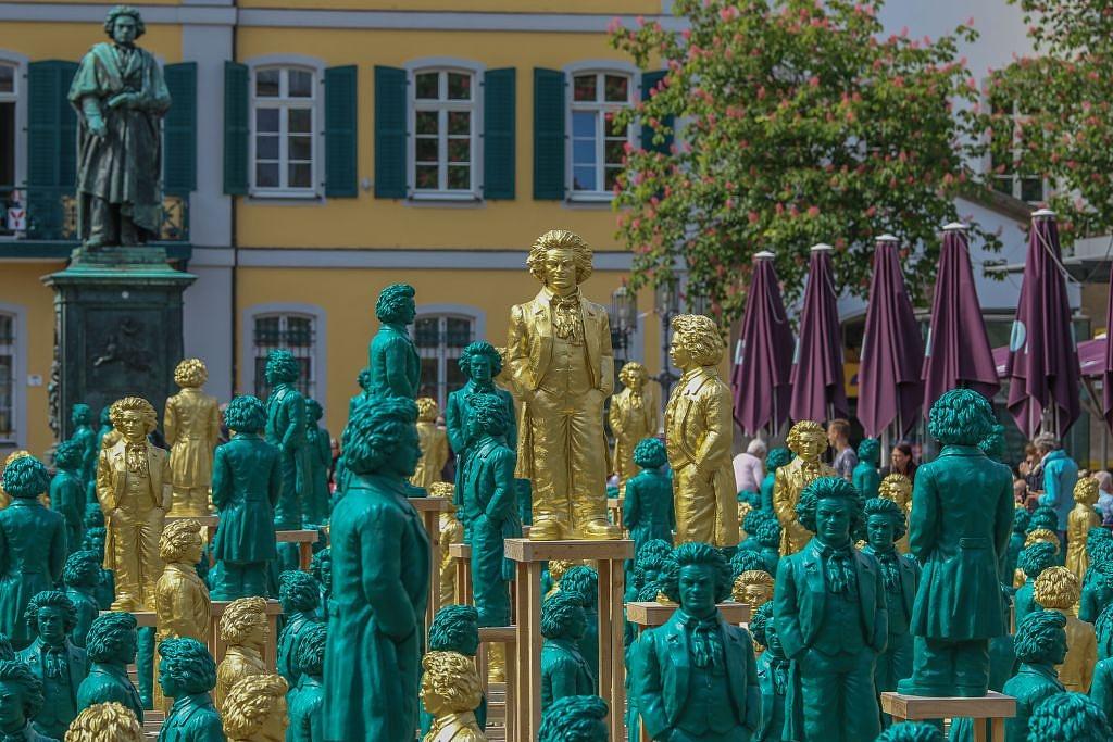700 apró Beethoven-szoborral ünnepel Bonn városa az évfordulón