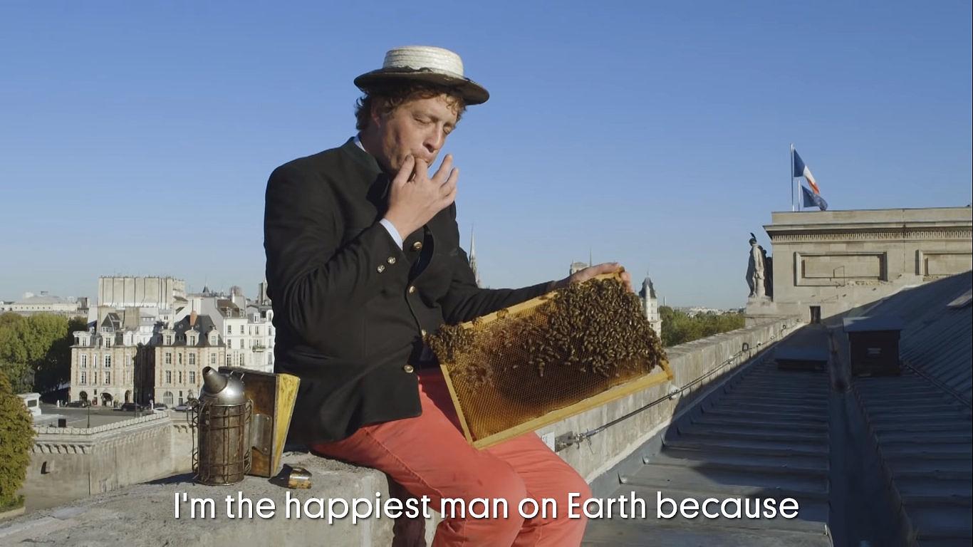 Az Opera és a Museé d'Orsay tetőin tart méheket egy párizsi méhész