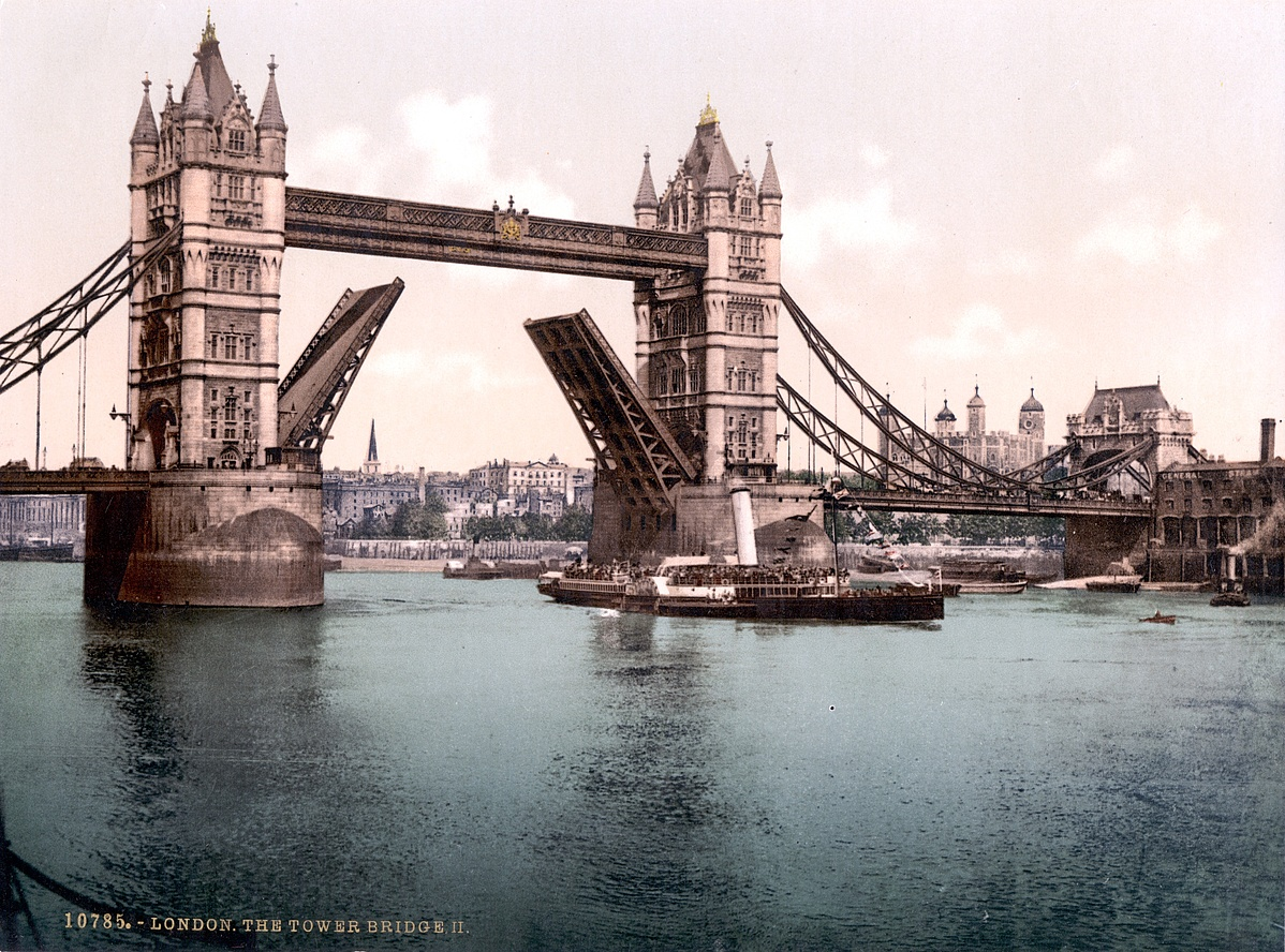 London-TowerBridge-1900-Closed-102926.jpg