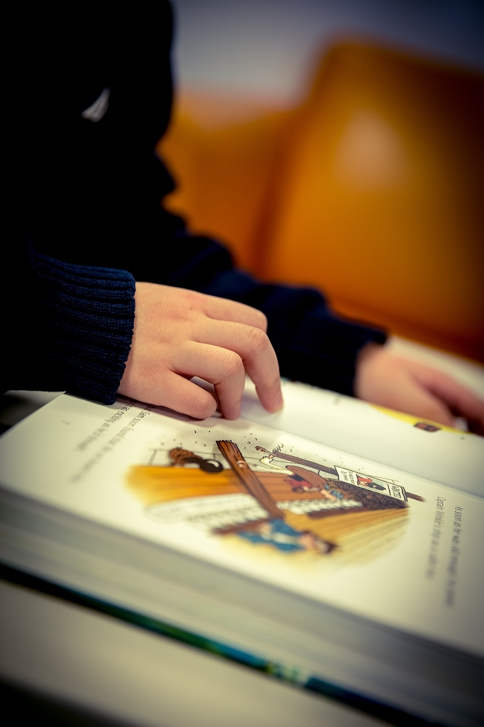 writing-hand-book-reading-color-child-1323962-pxherecom-100334.jpg