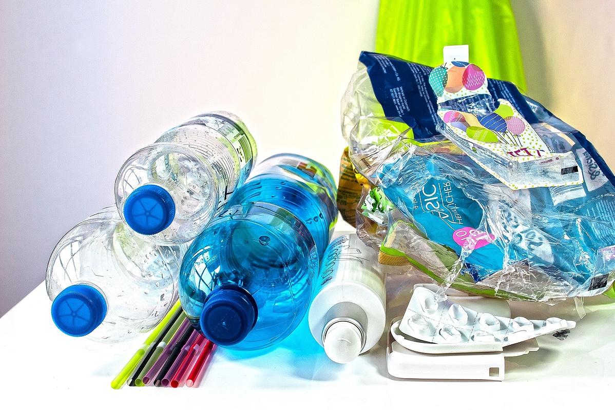 plastic-waste-3962409_1920-095820.jpg