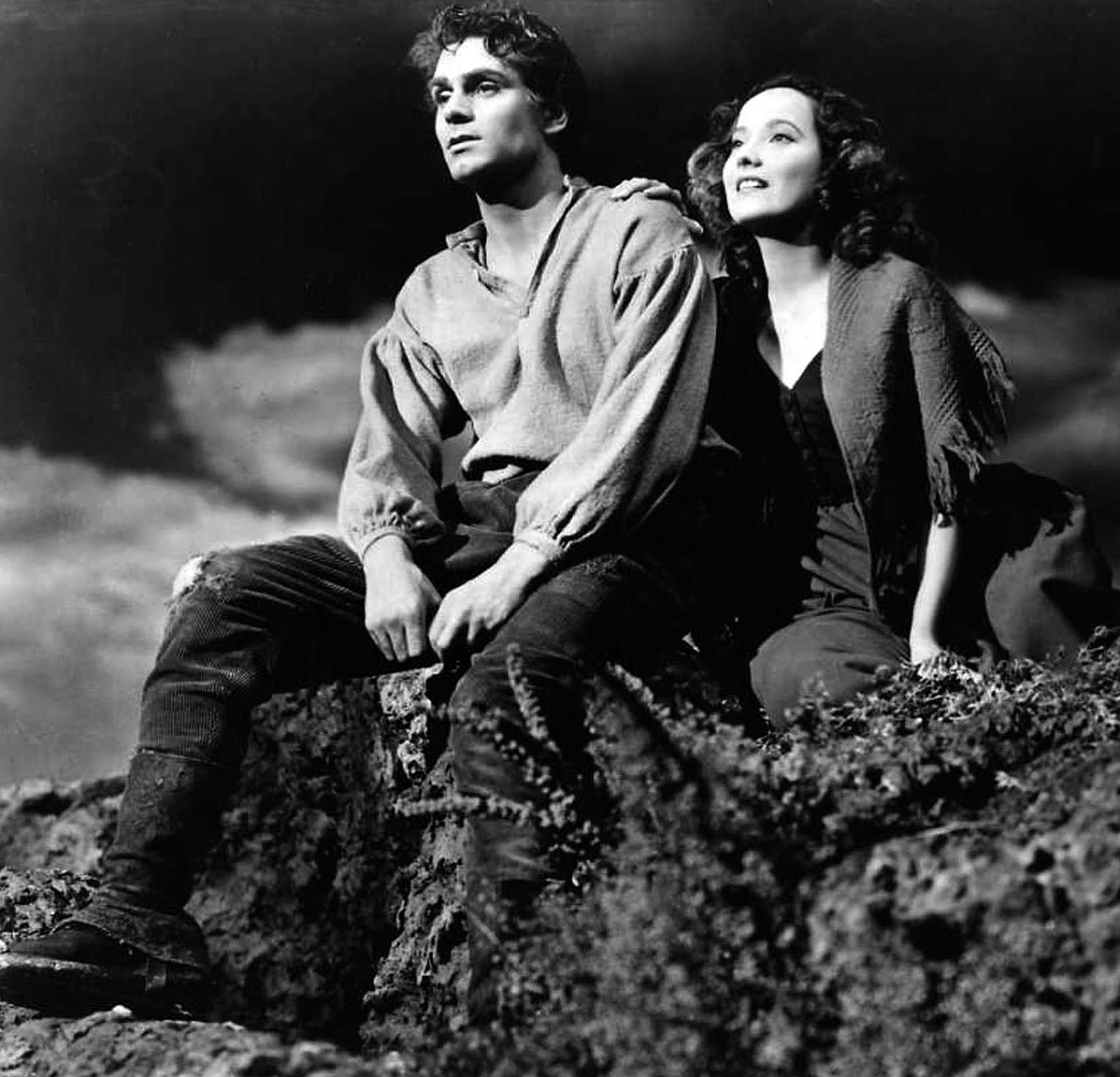 Laurence_Olivier_Merle_Oberon_Wuthering_Heights-171550.jpg