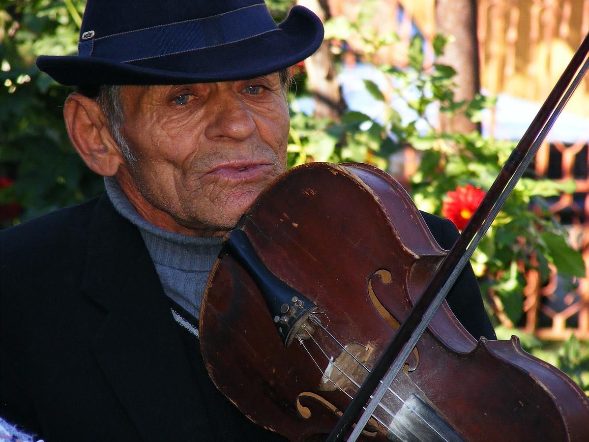 man-music-play-male-instrument-playing-1248568-pxherecom-141247.jpg