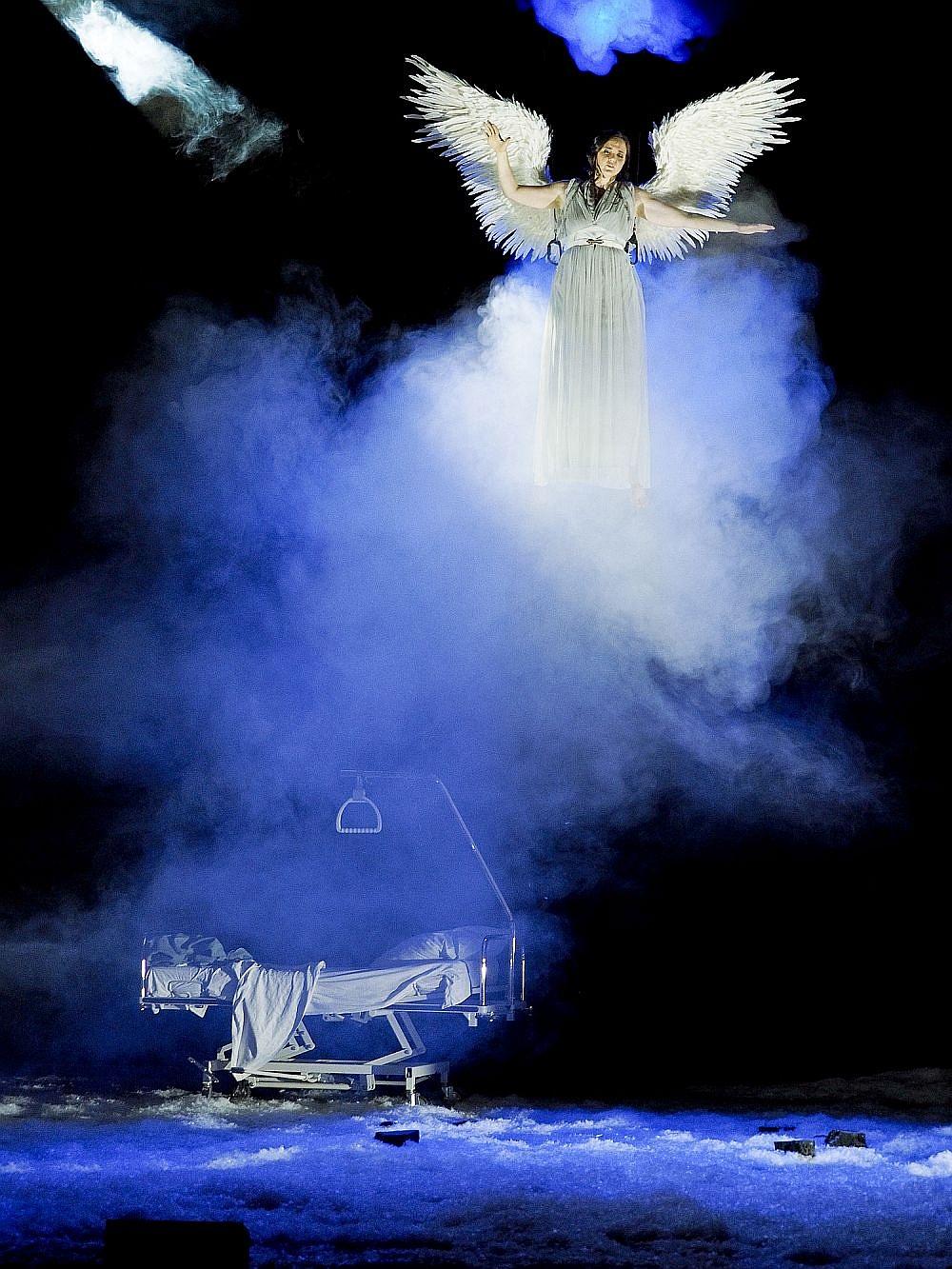 Angels_in_America_Neue_Oper_Wien_5_c_Armin_Bardel-104509.jpg