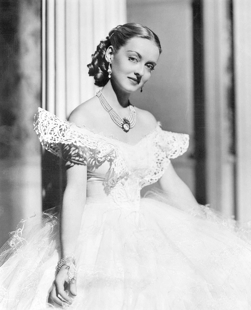 Jezebel-1938-Bette-Davis-202937.jpg
