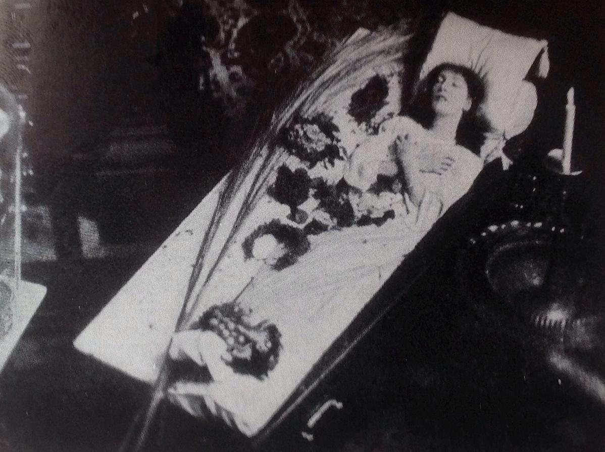Sarah_Bernhardts_coffin_1873-145502.jpg